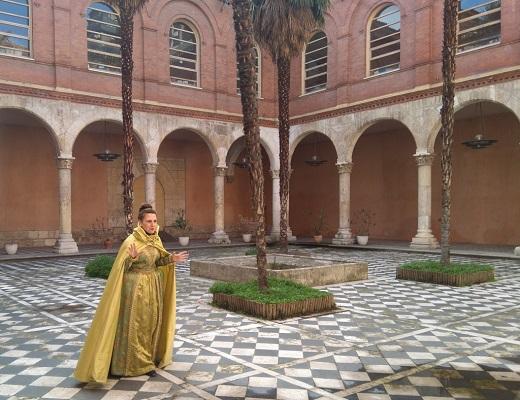 La reina de los Mosqueteros vuelve al Palacio de los Condes de Benavente para recordar una feliz infancia.