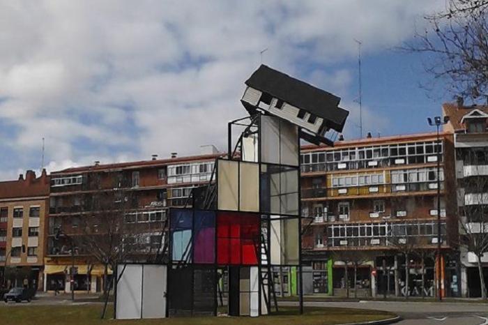 Escultura de Dennis Oppenheim en Valladolid