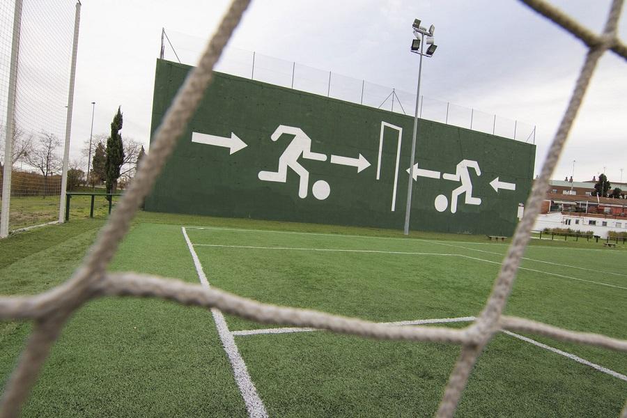Mural en las pistas deportivas de San Pedro Regalado
