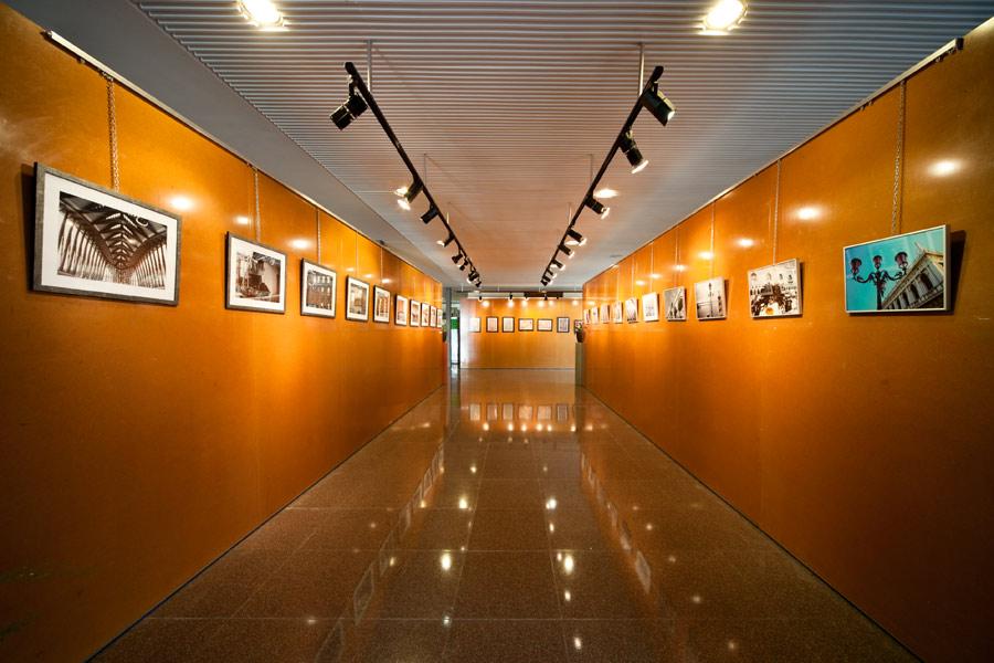 No hay imagen disponible de Salle d´expositions du C.C. Parquesol