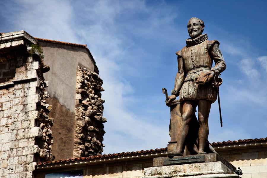 No hay imagen disponible de Monumento a Cervantes